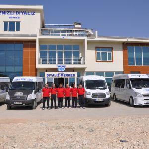 Denizli Diyaliz Merkezi Diyaliz ve Hemodiyaliz Hastalarına Evden Eve Taşıma Hizmetini Konforlu Servis Araçları ile Yapıyor
